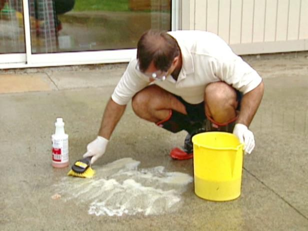 This DIYNetwork.com kit brought to you by Lowe's shows you how to prepare and stain a concrete patio.