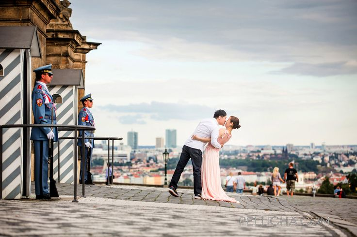 Prague Castle and a #prewedding photo with a asian couple