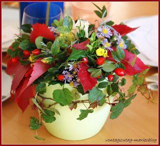 @vontagzutagmari Herbstliche Tischdeko im Blumentopf mit Steckschwamm. Astern, Hagebutten, Efeu, Veitschi, Weinlaub, Buchsbaum und vieles mehr. http://vontagzutag-mariesblog.blogspot.co.at/