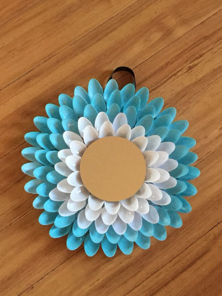 17 best images about plastic spoons crafts on pinterest for Decorative crafts mirrors