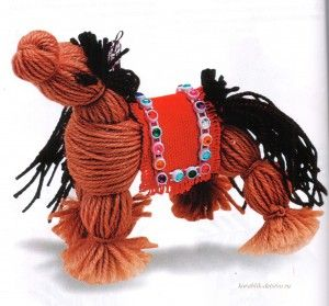 Лошадка из ниток