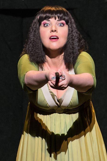 Review: The Magic Flute, Opera de Nice: with Sarah-Jane Brandon as Pamina.