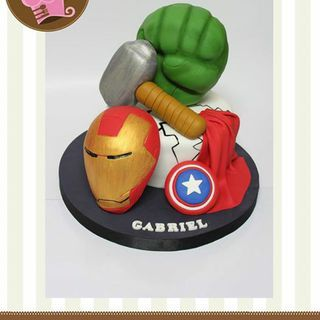 Avengers en una torta muy divertida!