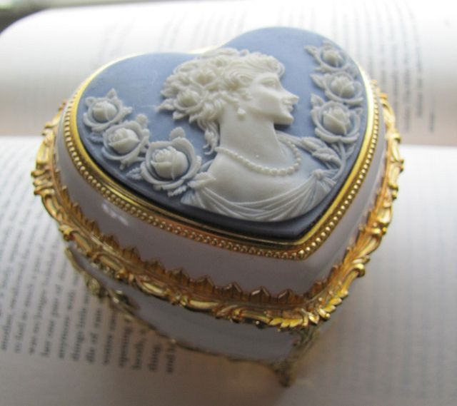 blue vintage cameo music box