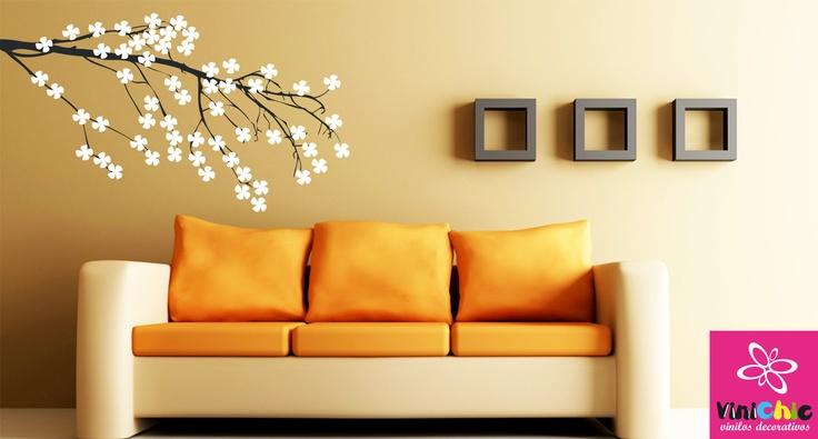 RAMITA EN FLOR Una rama florecida para decorar cualquier rincón del hogar.