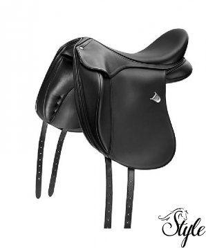 BATES Innova Extended Contourbloc díjlovas nyereg A Contourbloc stabilitást, biztonságot ad a lovas lábának az egyedülálló támasz formájának köszönhetően, így meggátolja annak elcsúszkálását, mely által az ülés széteshet, mégsem korlátozza a lovast abban, hogy hatékony, precíz segítségeket adjon. standard vagy úgynevezett Extended (kiterjesztett, terjedelmes) térdpárnával is elérhető, így Ön kiválaszthatja, melyik pozíció az Ön ülésének, testfelépítésének a legmegfelelőbb.