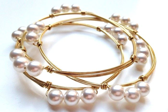 Wire bangles with #Swarovski Pearls!   http://www.artandsoulbeads.com/store/blog/wire-bangles-with-swarovski-pearls/