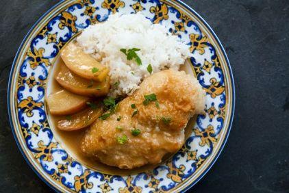 Κοτόπουλο στην κατσαρόλα με μήλα - gourmed.gr