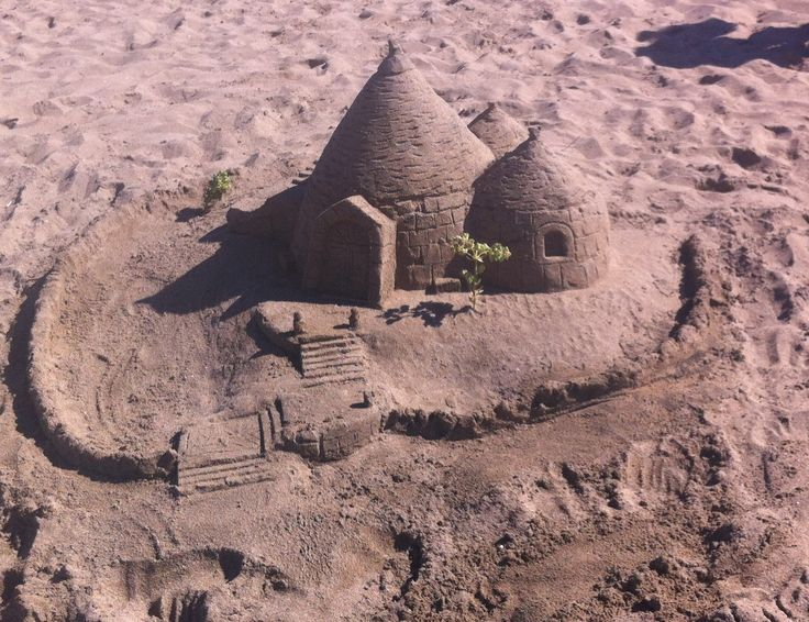 Make a Trullo out of sand...ok, we didn't make this one actually. Ours was too miserable to be photographed...