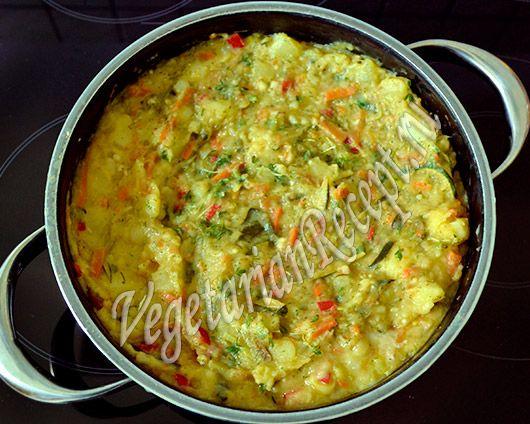 тушеный картофель с овощами и кокосовым молоком