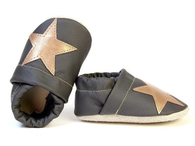 Krabbelschuhe mit Kupfersternen / babyshoes with copper stars by Blauer-Tiger Shop via DaWanda.com