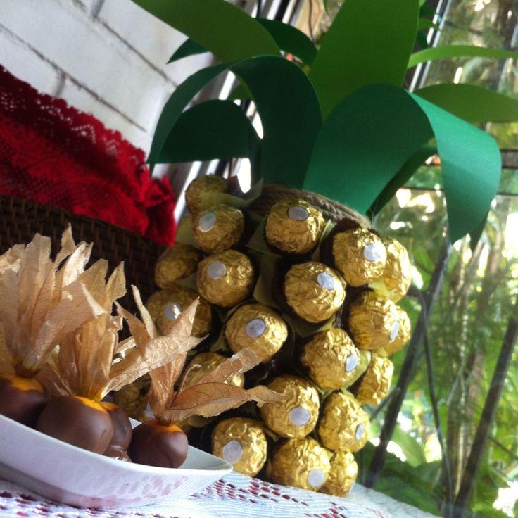 Pine Apple febrero Roche & physalis chocolate