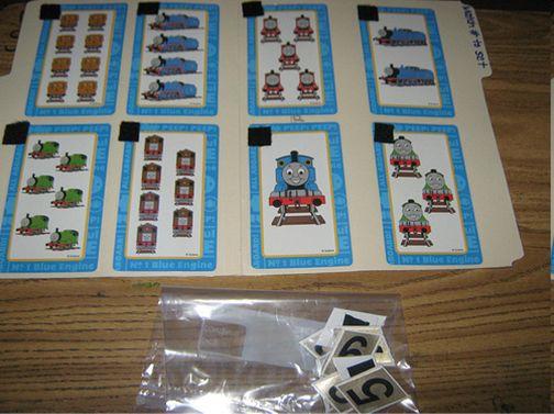 Cartas do THOMAS de números e quantidades                       Placa isopor com números de 1 a 5 com o martelo e pal...