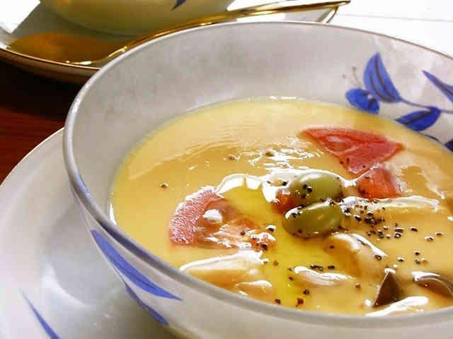 トマトと枝豆の冷たい茶碗蒸しの画像