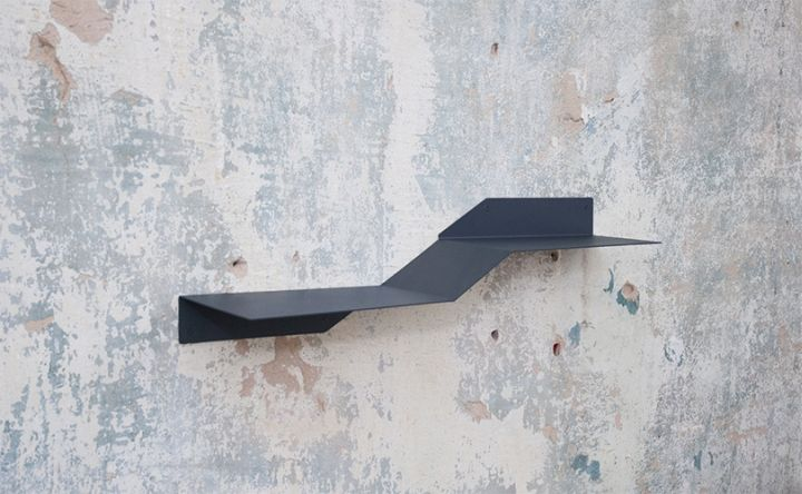 BEND is a rack that describes a graphic element which changes it´s shape from two-dimensional to three-dimensional during the fabrication.