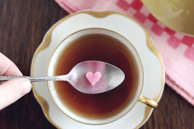 How to make pink heart sugar cubes with homemade natural food coloring