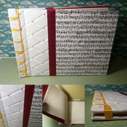 Cosido japonés un libro de firmas muy musical tamaño 22x30cm.