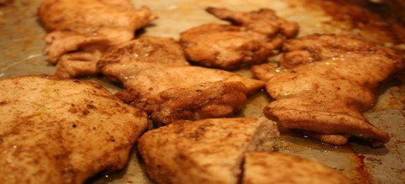 Een lekker koolhydraatarm hoofdgerecht, Marokkaanse kipfilet. Dit is een heerlijk kipgerecht uit de oven. De kipfilet is gekruid met komijn, kaneel, koriander, gemberpoeder en knoflook.