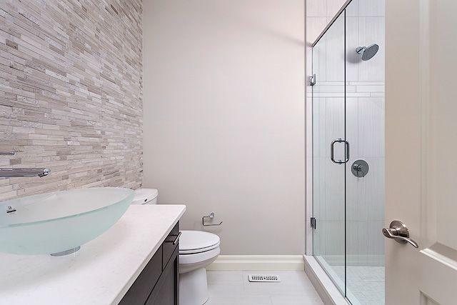 Full Guest Bathroom #Stonewall #Glass #Shower #Bright #Newhome