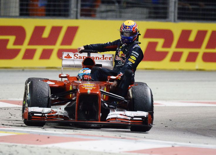Mark Webber hitched a lift back to the pits with Fernando Alonso after the F1 Grand Prix of Singapour.