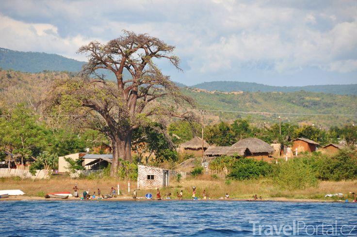 Vesnice na břehu Malawi.