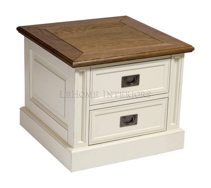 Тумбочка Keywest 2 Drawer Bedside Table. Современная тумба под ТВ в стиле прованс. Основательность конструкции придают четкие линии и материал исполнения - дуб.  Фурнитура выполнена из металла стилизованного под латунь. Конструкцией предусмотрены 2 выдвижных ящика.