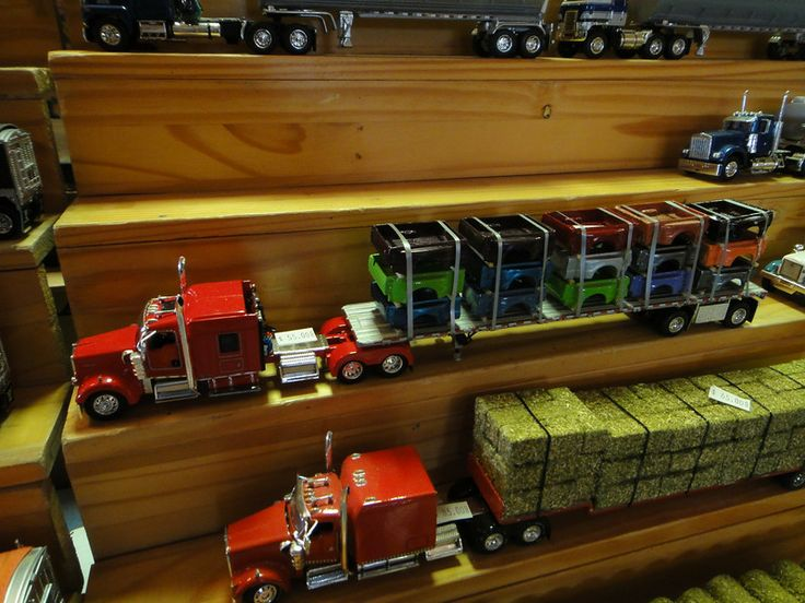 Diorama 1 64 Scale With Images Diecast Trucks Model Truck Kits