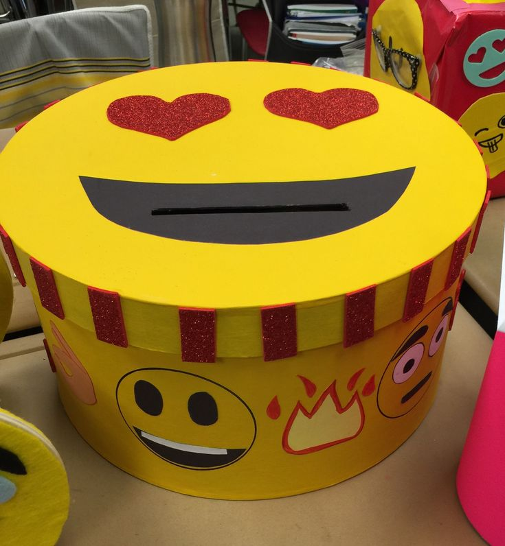 Emoji Valentine's box