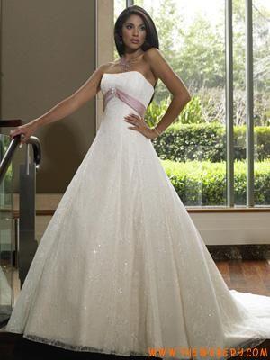 Vestiti da sposa stile principessa rosa