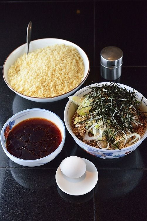 Pork Soba Noodles with Tenkasu and Spicy Dipping Sauce 肉そば