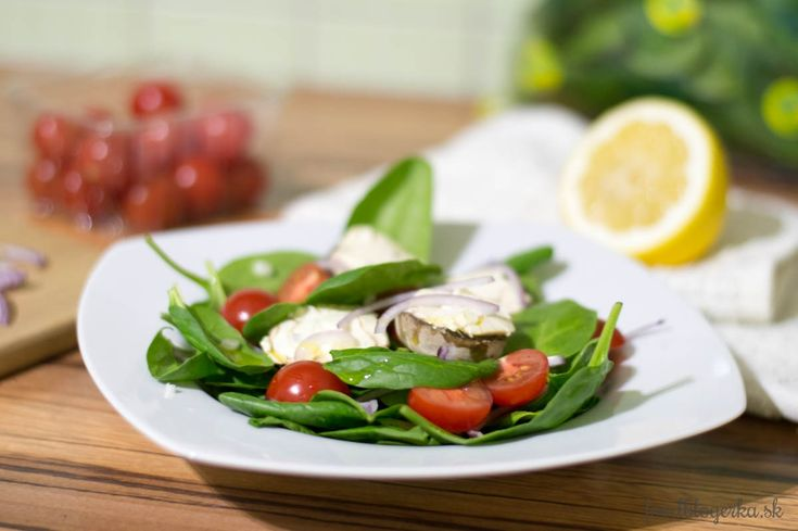 Spinach salad with roasted mushrooms and cherry tomatoes. Yummy.
