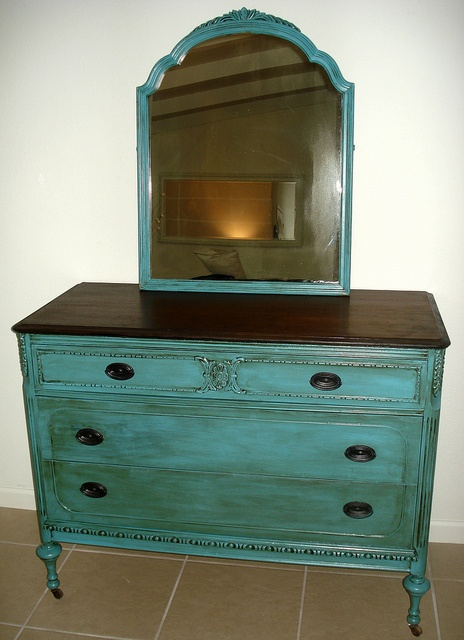 I Need This Paint Colour And We Re Good Antique Dresser Mirror Redo Is What Am Doing With My Vanity For The Bedroom