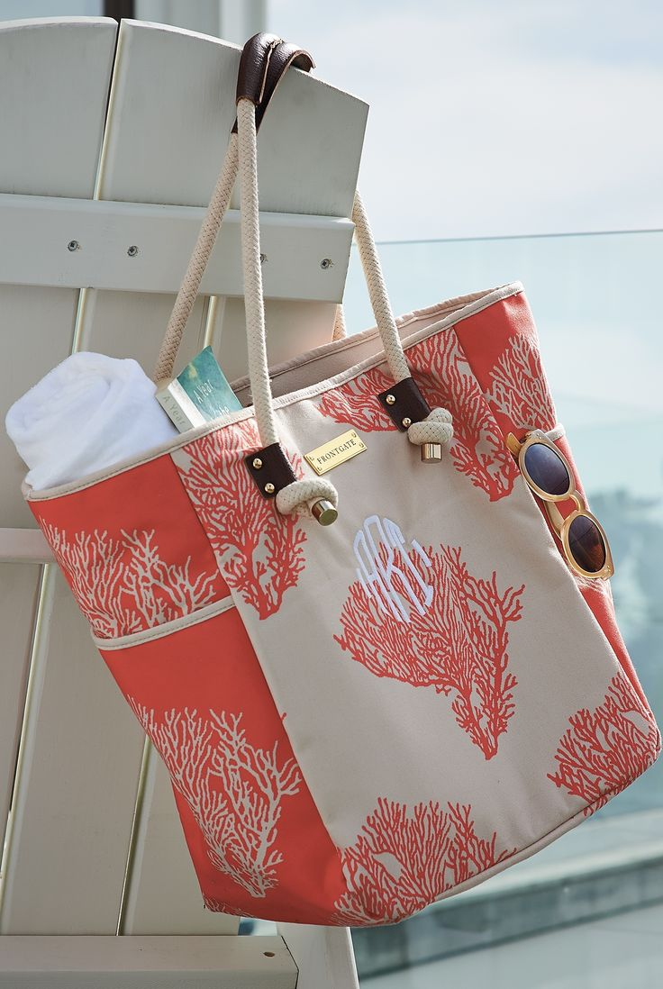 Artisan designed and beautifully crafted, our Coral printed tote bag is a chic beach carryall. The high-quality cotton canvas fabric is extremely durable and printed with a unique coral pattern.