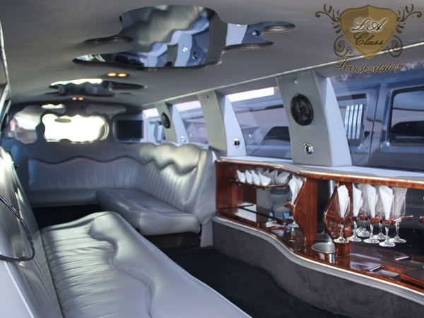 Http Averylimobroker Com Discount Limos Party Buses Shuttles Vans Suv Sedans And More Check Is Out In San Diego Limo Party Party Bus Limo