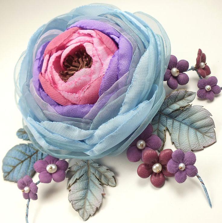 Купить Облачная Сирень. Брошь-цветок из ткани и натуральной кожи - брошь, цветы, листья