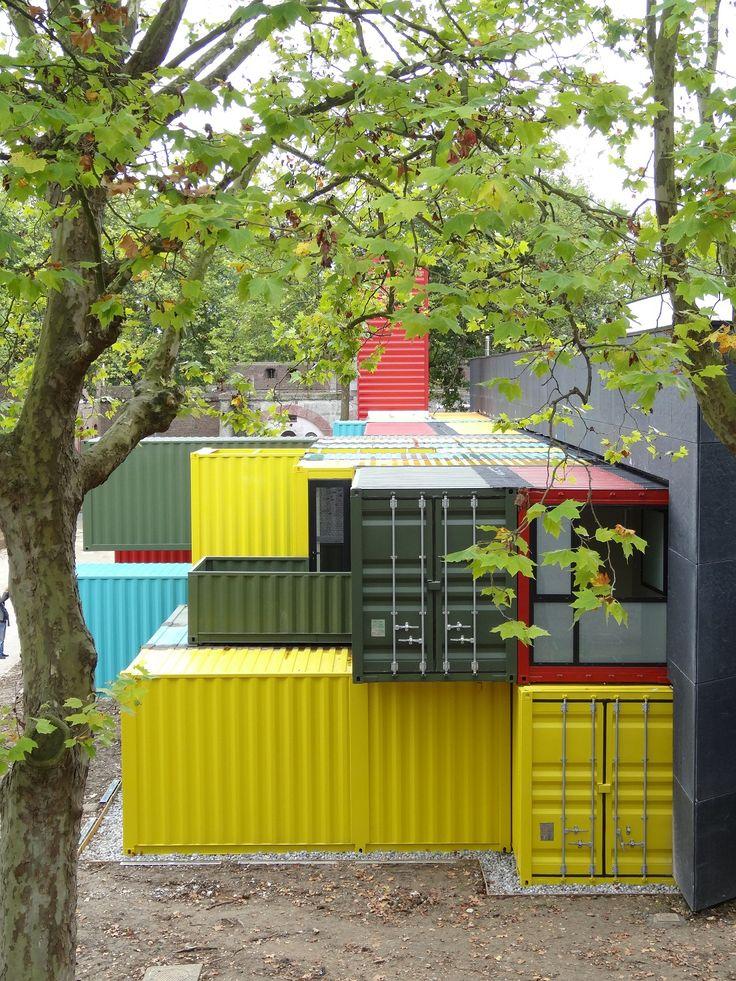 les 25 meilleures id es concernant piscine de conteneurs maritimes sur pinterest transport de. Black Bedroom Furniture Sets. Home Design Ideas