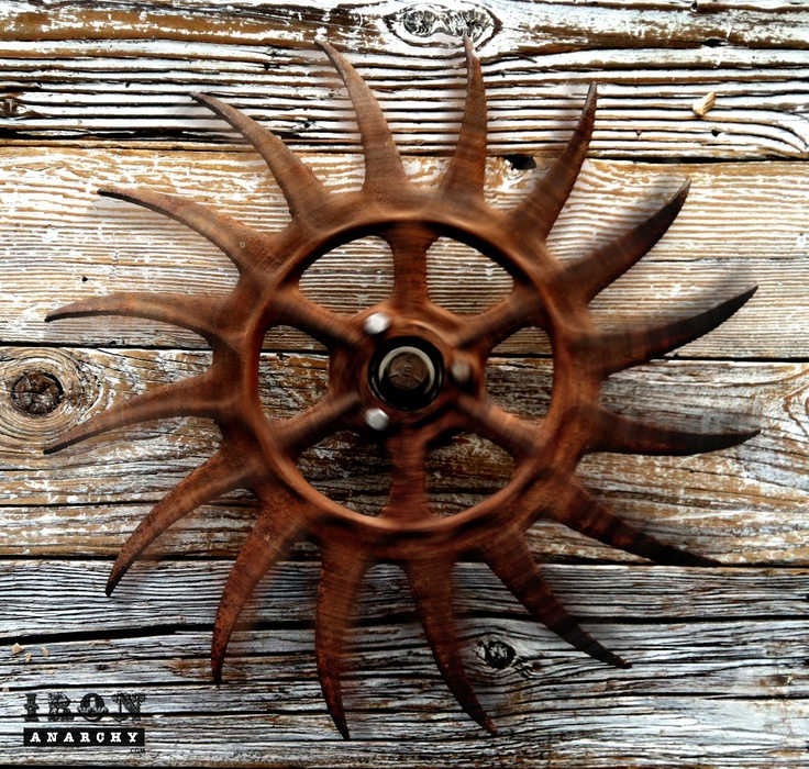 Antique Industrial Gear Wall Art Sculpture Extra Dynamic Old Wheel With Angry Curved Claws Of Thick Iron
