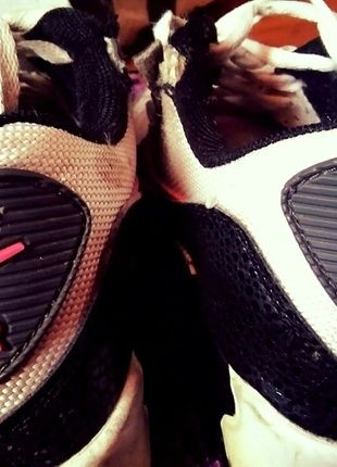 Kup mój przedmiot na #vintedpl http://www.vinted.pl/damskie-obuwie/obuwie-sportowe/12079854-nike-air-max-black-white-pink