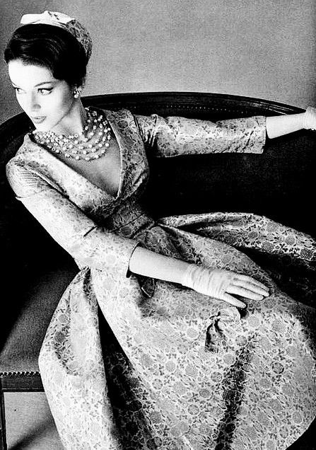 50s fashion, elegance. :)