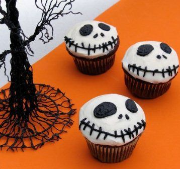 Jack Skellington Cupcakes. Great idea for a older kids party at school!