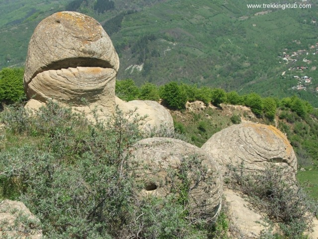 #Round_rocks from Chiojdu