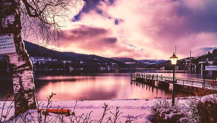 luxknight_photographie. Lake Titisee #titisee #schwarzwald #blackforest #Deutschland #germany #longexposure_shots #sony7ii #sonyalpha #landscape_lover #landschaft #landscapephoto #sunset_vision #sunset #lac #allemagne #24mm #insta_winter #snow #winterwonderland #pictures #instaphoto #picoftheday #sergeramelli