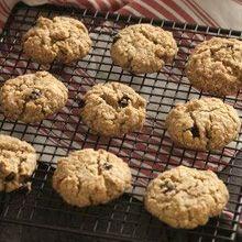 Υγιεινά, τραγανά, υπέροχα μπισκότα με νιφάδες βρώμης. Ιδανικά για το πρωινό αλλά και για σνακ στη διάρκεια της ημέρας