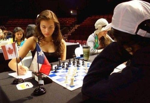 Alexandra Botez: La joueuse d'echecs la plus sexy de la planète – Potins.net  SoonNight Alexandra Botez: La joueuse d'echecs la plus sexy de la planète Potins.net Vous êtes un passionné d'échecs et vous adorez les jolies filles?