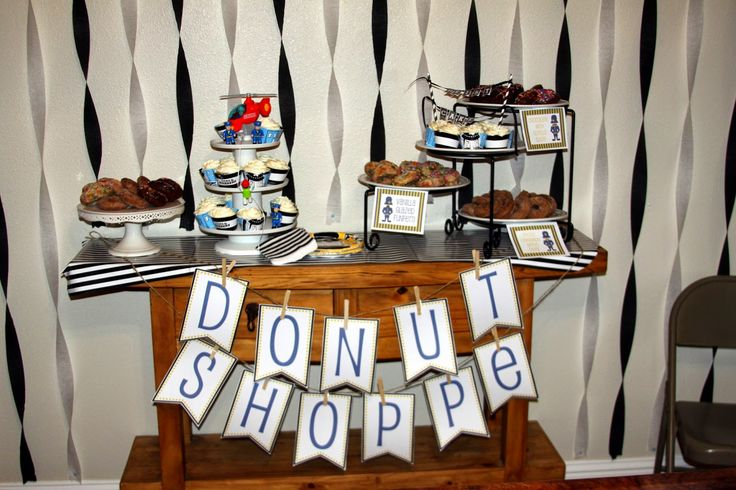 Cops & Robbers birthday party ideas, games and free printables. Everything you need to throw a police party including a shopping list with links.