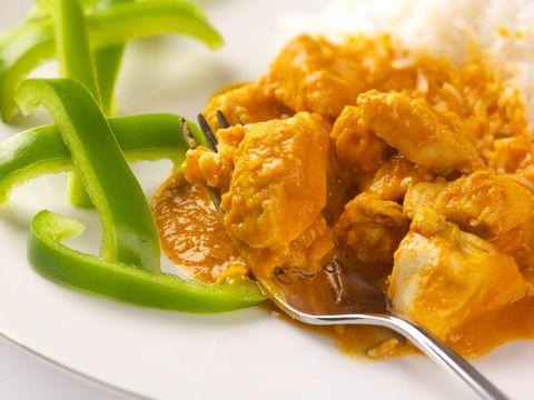 Thaise Gele curry met kip en pinda's
