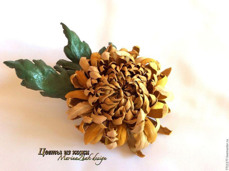 """Купить Хризантема из натуральной кожи - """" Янтарь"""" - золотой, янтарный цвет, янтарная брошь"""