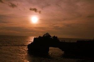 Sunset-at-Batu-Bolong-Temple-by-Tanah-Lot