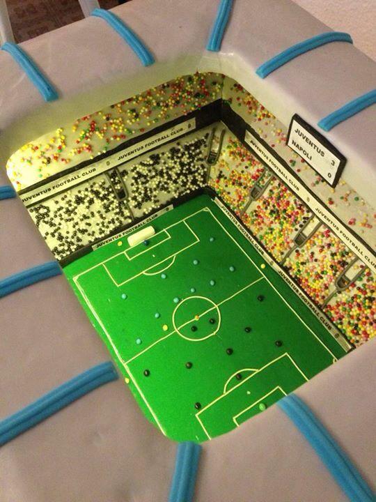 Торт - стадион для папы
