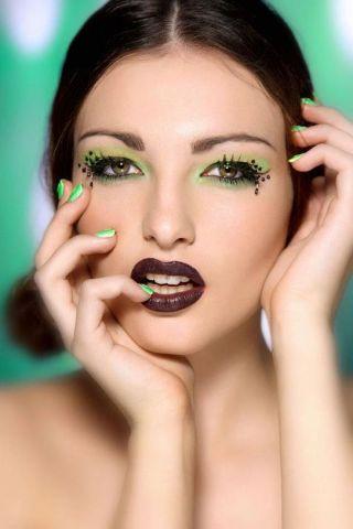 Kiwi theme make up